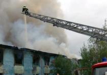 Сотрудники компании «Сибпромстрой» спасли  жильцов из горящего дома