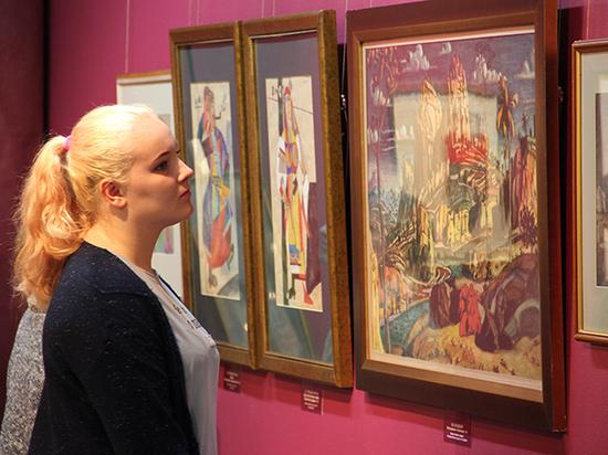 В Сургуте открылась выставка выдающихся художников