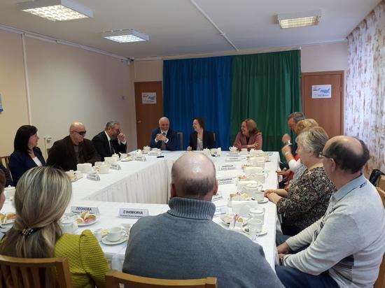 Общественники Сургута доложили губернатору о готовности города к выборам Президента РФ